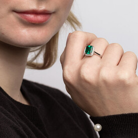 Ring with Created Emerald & Diamonds in 10ct White Gold