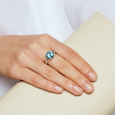 Ring with Blue Topaz & Diamonds in 10ct Yellow Gold