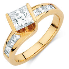 Engagement Ring with 1 1/2 Carat TW of Diamonds in 18ct Yellow Gold
