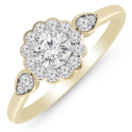 Cluster Ring with 3/4 Carat TW of Diamonds in 14ct Yellow Gold