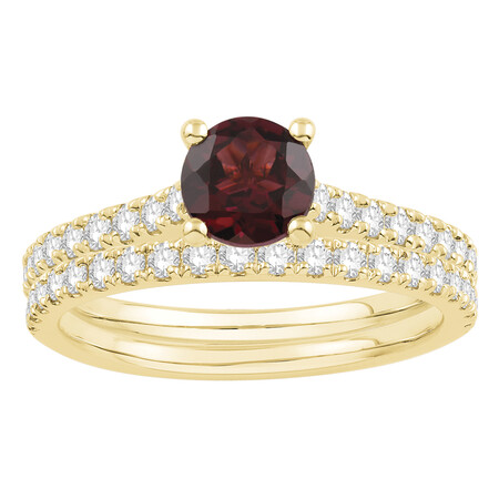 Bridal Set with Ruby & 0.69 Carat TW of Diamonds in 14ct Yellow Gold