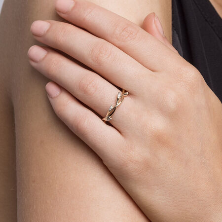 Willow Ring with Diamonds in 10 Yellow Gold