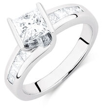 Engagement Ring with 1 1/2 Carat TW of Diamonds in 18ct White Gold