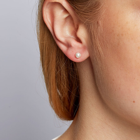 Stud Earrings with 4mm Cultured Freshwater Pearl in 10ct Yellow Gold