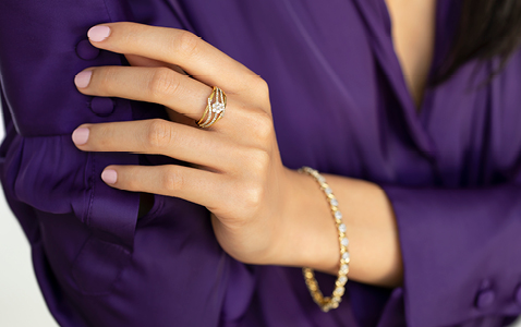 Cluster twist ring with 0.50 carat of diamonds and bracelet with 2 carats of diamonds